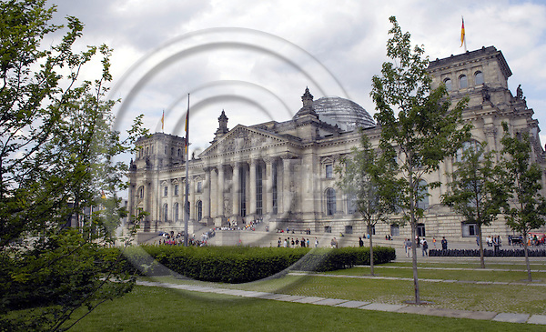 Berlin-Germany - 31 May 2007---The building of the German Reichstag, seat of the German Parliament / Bundestag---Photo: Horst Wagner/eup-images