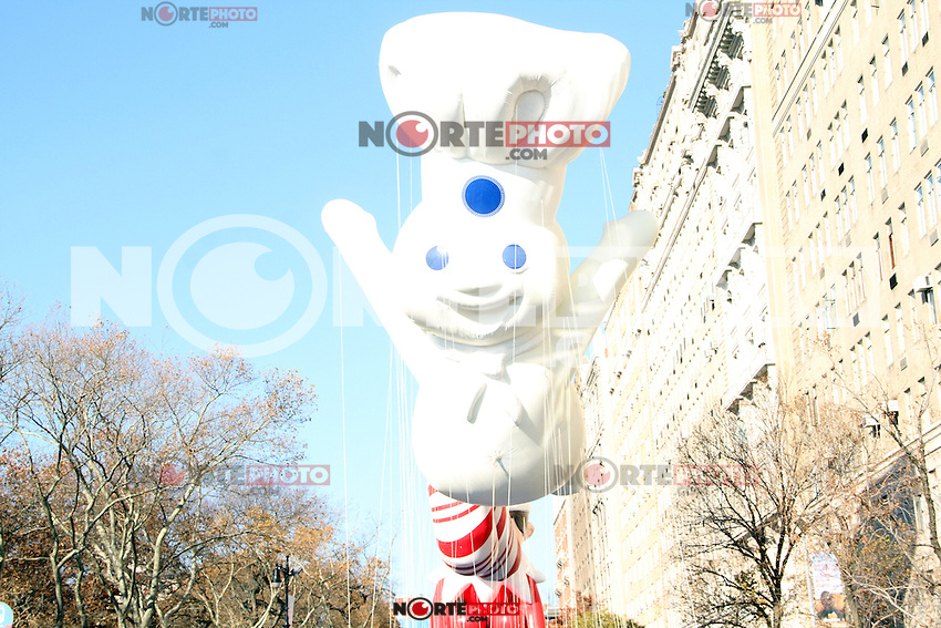 NEW YORK, NY - NOVEMBER 22: Atmosphere at the 86th Annual Macy's Thanksgiving Day Parade on November 22, 2012 in New York City. Credit: RW/MediaPunch Inc. /NortePhoto