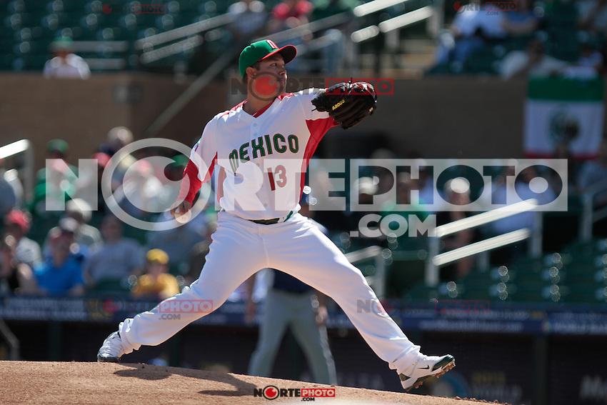 durante el partido de  Mexico vs Italia, 2013 World Baseball Classic, Estadio Salt River Field en Scottsdale, Arizona  ,7 de marzo 2013...07 marzo 2013 ....photo© Baldemar de los Llanos