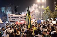 SAO CAETANO DO SUL, SP, 19 de junho 2013- Manifestacao contra o aumento da passagem de onibus em Sao Caetano do Sul reuniu mais de 2mil pessoas na Av Goias em Sao Caeyano do Sul no ABC    ADRIANO LIMA / BRAZIL PHOTO PRESS).