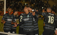 TUNJA - COLOMBIA -07 -03-2014: Los jugadores de, Atletico Nacional celebran el gol anotado al Boyaca Chico FC, durante partido aplazado de la octava fecha  de la Liga Postobon I-2014, jugado en el estadio La Independencia de la ciudad de Tunja. / The players of Atletico Nacional celebrate a goal scored to Boyaca Chico FC, during postponed match for the eighth date of the Liga Postobon I-2014 at the La Independencia  stadium in Tunja city, Photo: VizzorImage  / Jose M. Palencia / Str. (Best quality available)