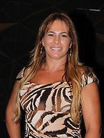 SAO PAULO, SP, 24 DE JANEIRO 2012 - SPFW  - MOVIMENTACAO -Debora Rodrigues,  durante a São Paulo Fashion Week 2012, no predio da Bienal, no Parque do Ibirapuera, na zona sul de Sao Paulo, nesta terca-feira, 24. (FOTO: MILENE CARDOSO - NEWS FREE).