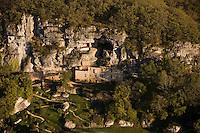 Europe/France/Aquitaine/24/Dordogne/Vallée de la Vézère/Périgord Noir/Tursac: Maison Forte de Reynac - Vue aérienne