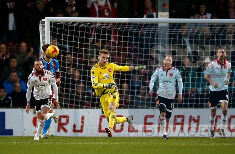 George Long of Sheffield Utd clears the ball - English League One - Scunthorpe Utd vs Sheffield Utd - Glandford Park Stadium - Scunthorpe - England - 19th December 2015 - Pic Simon Bellis/Sportimage
