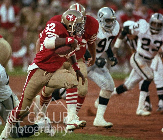 San Francisco 49ers vs. Los Angles Raiders at Candlestick Park Saturday, August 4, 1984..Pre-season Game. .San Francisco 49ers Running Back Carl Monroe (32) ...
