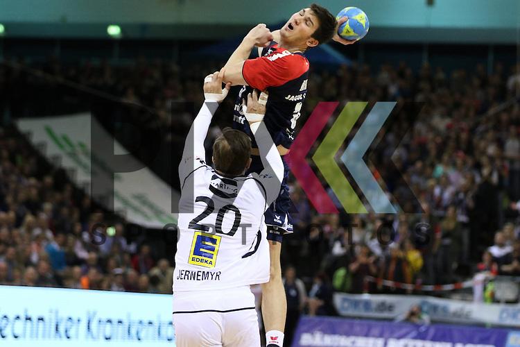 Flensburg, 05.04.2015, Sport, Handball, DKB Handball Bundesliga, Saison 2014/2015, GWD Minden - SG Flensburg-Handewitt : Dra&scaron;ko Nenadic (SG Flensburg-Handewitt, #5), Magnus Jernemyr (GWD Minden, #20)<br /> <br /> Foto &copy; P-I-X.org *** Foto ist honorarpflichtig! *** Auf Anfrage in hoeherer Qualitaet/Aufloesung. Belegexemplar erbeten. Veroeffentlichung ausschliesslich fuer journalistisch-publizistische Zwecke. For editorial use only.