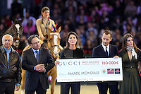 "PAP1212PA337.GUCCI MASTERS PARIS 2012.CAROLINE OF MONACO HOLDS A CHECK FOR THE ""AMADE"" RULED BY HER IN THE FAVOR OF CHILDREN OF THE WORLD..PAP1212PA337.GUCCI MASTERS PARIS 2012.CAROLINE OF MONACO HOLDS A CHECK FOR THE ""AMADE"" RULED BY HER IN THE FAVOR OF CHILDREN OF THE WORLD.."
