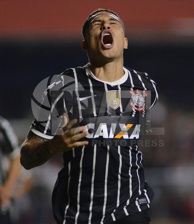 SAO PAULO SP, 03 Julho 2013 - Sao Paulo  X Corinthians.   Guerrero comemora gol    durante primeira partida da final da recopa sulamericana  de 2013  no Estadio do Morumbi em  Sao Paulo, nesta quarta , 03. (FOTO: ALAN MORICI / BRAZIL PHOTO PRESS).