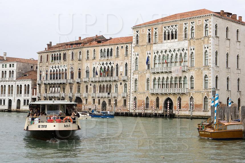 Veduta della Ca' Foscari, sulla destra, a Venezia.<br /> View of the Ca' Foscari, at right, in Venice.<br /> UPDATE IMAGES PRESS/Riccardo De Luca
