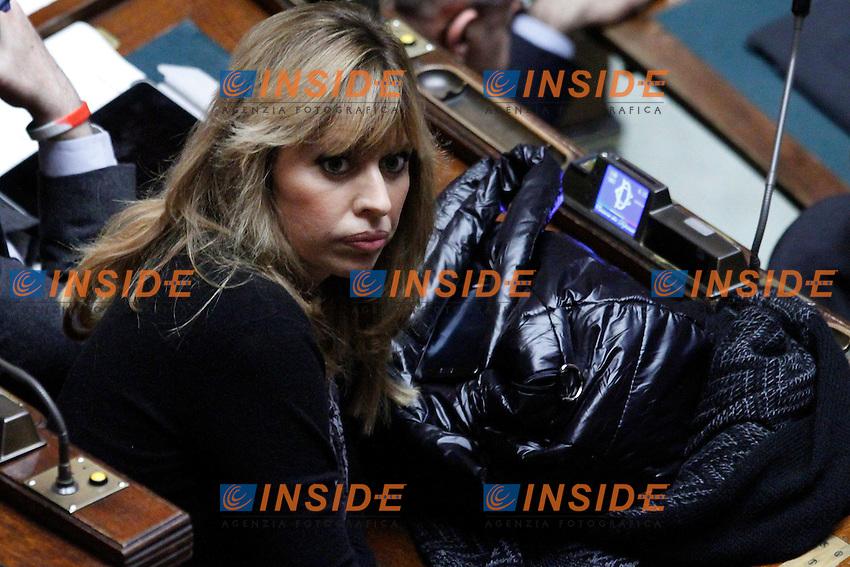 COMUNICAZIONI DEL NEO  PRESIDENTE DEL CONSIGLIO E VOTO DI FIDUCIA PER IL NUOVO GOVERNO..NELLA FOTO ALESSANDRA MUSSOLINI..ROMA 18 NOVEMBRE 2011..PHOTO  SERENA CREMASCHI INSIDEFOTO..............................