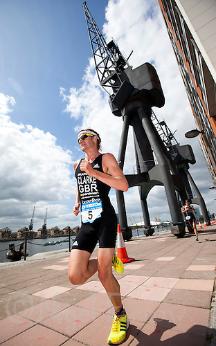 02 AUG 2009 - LONDON, GBR - Will Clarke - London Triathlon (PHOTO (C) NIGEL FARROW)