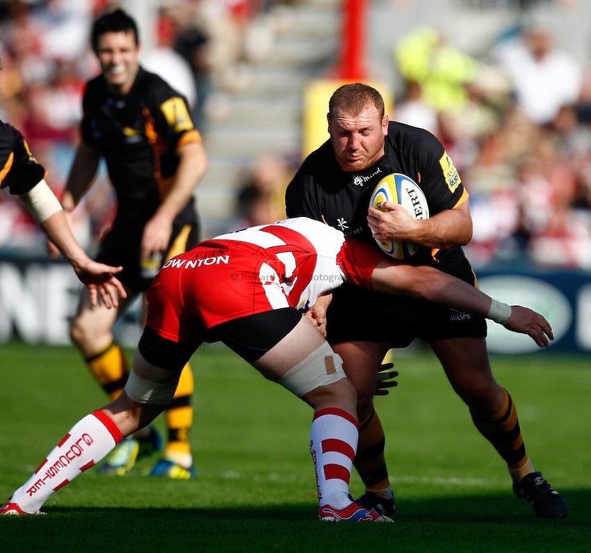 Photo: Richard Lane/Richard Lane Photography. Gloucester Rugby v London Wasps. Aviva Premiership. 22/09/2012. Wasps' Tim Payne attacks.