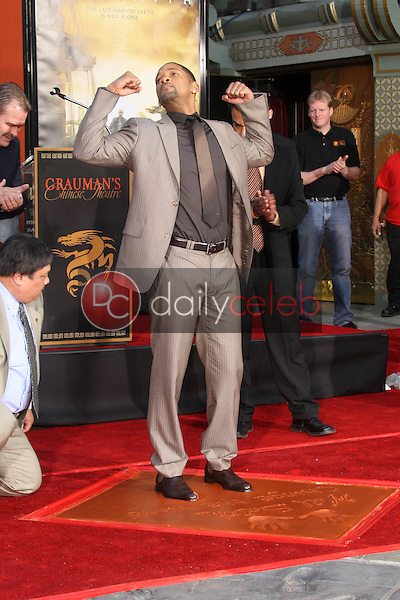 Will Smith<br />at the Chinese Theatre hand and footprint Ceremony honoring him. Grauman's Chinese Theatre, Hollywood, CA. 12-10-07<br />Dave Edwards/DailyCeleb.com 818-249-4998
