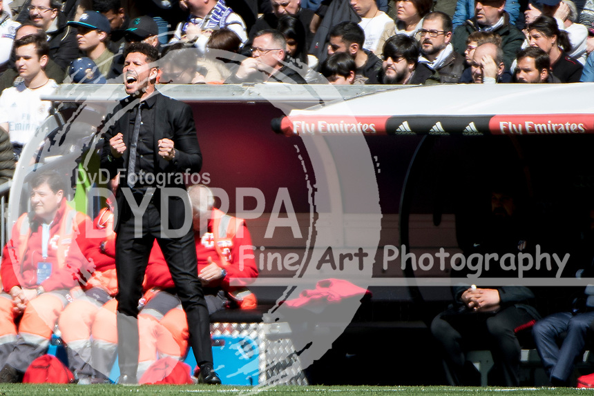 Atletico Madrid's Argentinian coach Diego Simeone<br /> Spanish league football match Real Madrid vs Atletico de Madrid at the Santiago Bernabeu stadium in Madrid on April 8, 2018.