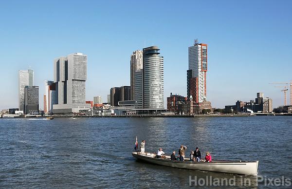 Nederland Rotterdam - 2017. Hoogbouw op de Wilhelminapier.Varen op de Maas.  Foto Berlinda van Dam / Hollandse Hoogte