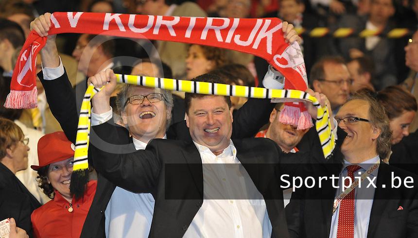 Bekerfinale KV Kortrijk - Sporting Lokeren : de Kortrijkse burgemeester Stefaan De Clerck samen met de Lokerse burgemeester Antheunis op de foto.foto VDB  / Bart Vandenbroucke