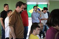 SUMARÉ, SP, 14.06.2018: ELEIÇOES-2018 - O pré candidato a presidente da Republica, Guilherme Boulos (PSOL) participa de evento nesta quinta-feira no Condominio Poços de Caldas no bairro Matão em Sumaré, interior de São Paulo. O local tem como os moradores ex-ocupantes do Zumbi dos Palmares, área que foi ocupada por anos na cidade. (Foto: Luciano Claudino/Codigo19)