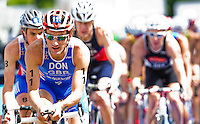 07 AUG 2011 - LONDON, GBR - Tim Don (GBR) leads a pack at the start of the next lap during the men's round of triathlon's ITU World Championship Series (PHOTO (C) NIGEL FARROW)