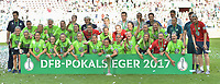 20170527 - KOELN , GERMANY : Wolfsburg's team celebrating their victory in the final of German Women's Cup 2017 - Pokal Final Frauen , a soccer women game between SC Sand and holders VfL Wolfsburg  , at the Rhein Energie Stadion , saturday 27 th Mayl 2017 . PHOTO SPORTPIX.BE | DIRK VUYLSTEKE