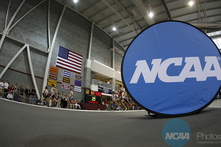 10 MAR 2007: Athletes compete in the Division III Men's and Women's Indoor Track and Field Championships held at the Rose-Hulman Sports and Recreation Center in Terre Haute, IN. Joe Robbins/NCAA Photos