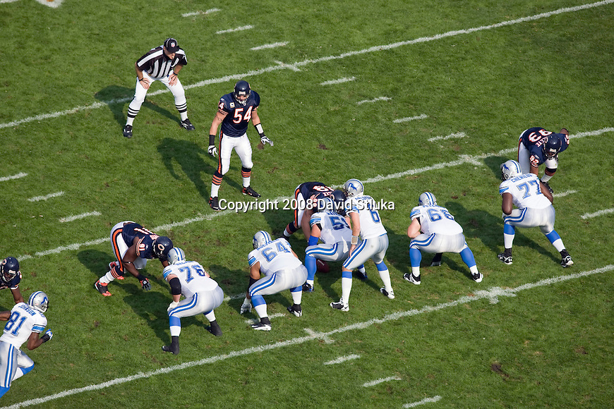 CHICAGO - NOVEMBER 2: The Chicago Bears and the Detroit Lions battle at Soldier Field on November 2, 2008 in Chicago, Illinois. The Bears defeated the Lions 27-23. (Photo by David Stluka)