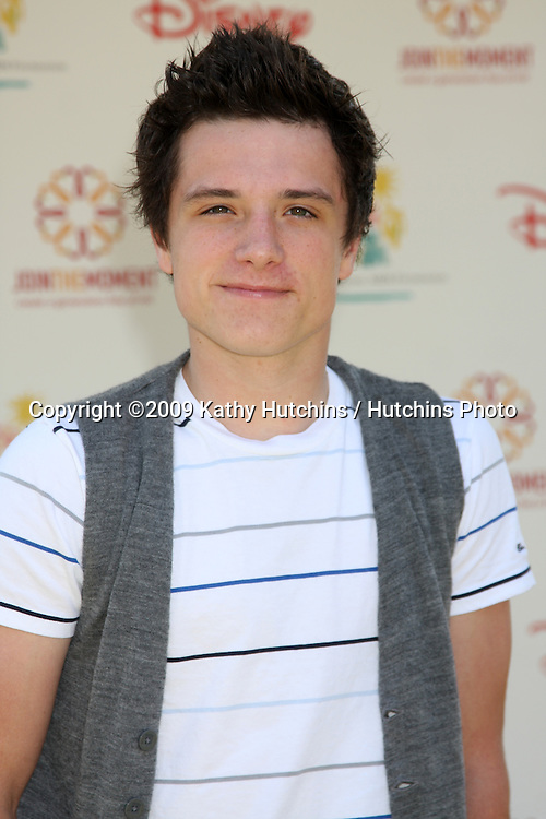 "Josh Hutcherson arriving at ""A Time For Heroes Celebrity Carnival"" benefiting the Elizabeth Glaser Pediatrics AIDS Foundation at the Wadsworth Theater Grounds in Westwood , CA on June 7, 2009 .©2009 Kathy Hutchins / Hutchins Photo.."