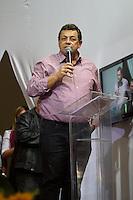 SÃO PAULO, SP - 27.09.2013: CANDIDATURA DO EMIDIO SOUZA PARA PRESIDENTE DO PT - Emidio de Souza durante o lançamento de sua candidatura para Presidente estadual do Partido dos Trabalhadores (PT) ao lado do Ex presidente da República Lula, realizado na Casa Portugal, região central de São Paulo nesta sexta-feira (27). (Foto: Marcelo Brammer/Brazil Photo Press)