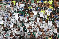 SAO PAULO, SP, 04 DE MARCO 2012 - CAMP. PAULISTA - PALMEIRAS X SAO CAETANO - Torcedor do Palmeiras durante partida contra o Sao Caetano em partida valida pela 12 Rodada do Campeonato Paulista, no estadio Paulo Machado de Carvalho (Pacaembu), na regiao oeste da capital paulista. (FOTO: WILLIAM VOLCOV  / BRAZIL PHOTO PRESS).