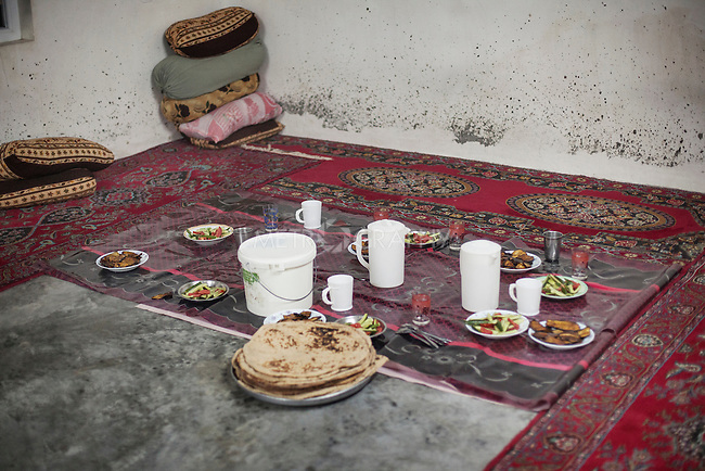 22/05/15. Awbar Village, Darbandikhan area, Iraq. -- Inside Najm's house.