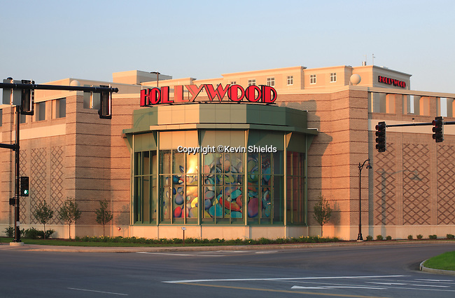 Exterior of the Hollywood Slots building in Bangor, Maine