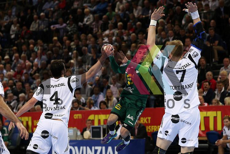 Kiel, 20.05.15, Sport, Handball, DKB Handball Bundesliga, Saison 2014/2015, THW Kiel - GWD Minden : Domagoj Duvnjak (THW Kiel, #04), Dalibor Doder (GWD Minden, #33), Rene Toft Hansen (THW Kiel, #07)<br /> <br /> Foto &copy; P-I-X.org *** Foto ist honorarpflichtig! *** Auf Anfrage in hoeherer Qualitaet/Aufloesung. Belegexemplar erbeten. Veroeffentlichung ausschliesslich fuer journalistisch-publizistische Zwecke. For editorial use only.