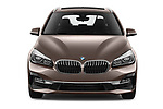 Car photography straight front view of a 2018 BMW bmw 2activetourluxmv1fb 5 Door Mini Van