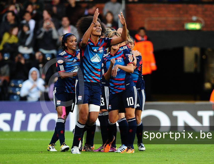 Uefa Women 's Champions League Final 2011 at Craven Cottage Fulham - London : Olympique Lyon - Turbine Potsdam : vreugde bij Wendie Renard en ploegmaats na haar doelpunt .foto DAVID CATRY / JOKE VUYLSTEKE / Vrouwenteam.be.