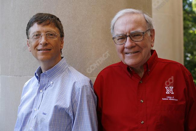 Bill Gates (left), co-founder and chairman of Microsoft Corporation, and Warren Buffett, investor and head of Berkshire Hathway, at the University of Nebraska. Lincoln, Nebraska, September 30, 2005.
