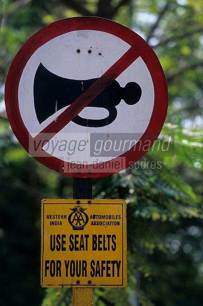 Asie/Inde/Bombay : Panneau de circulation rare et pas respécté