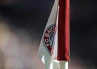 FUSSBALL   1. BUNDESLIGA  SAISON 2011/2012   5. Spieltag FC Bayern Muenchen - SC Freiburg         10.09.2011 FC Bayern Muenchen Eckfahne mit dem bestickten Bayern Logo