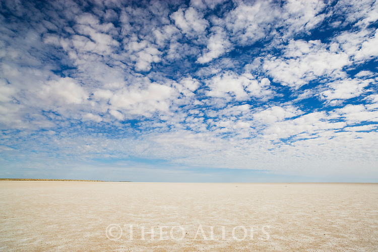 "Australia, South Australia;  clouds above dry salt lake ""Lake Eyre"""