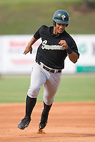 Juan Lagares (4) of the Savannah Sand Gnats hustles towards third base at Fieldcrest Cannon Stadium in Kannapolis, NC, Sunday July 20, 2008. (Photo by Brian Westerholt / Four Seam Images)