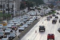 SAO PAULO, SP, 08 DE MARCO DE 2013 - TRANSITO. A Radial Leste na região da Mooca, apresenta transito intenso sentido bairro apos do temporal dessa sexta-Feira (08) que caiu sobre a capital paulista. LUIZ GUARNIERI/BRAZIL PHOTO PRESS.