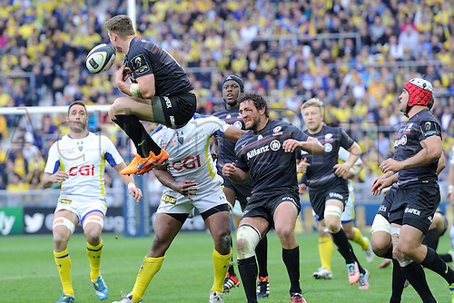 18.04.2015. Clermont-Ferrand, Auvergne, France. Champions Cup rugby semi-final between ASM Clermont and Saracens.  kicked ball is loose amongst the player