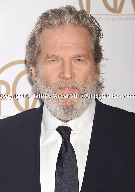 HOLLYWOOD, CA - JANUARY 28: Actor Jeff Bridges arrives at the 28th Annual Producers Guild Awards at The Beverly Hilton Hotel on January 28, 2017 in Beverly Hills, California.