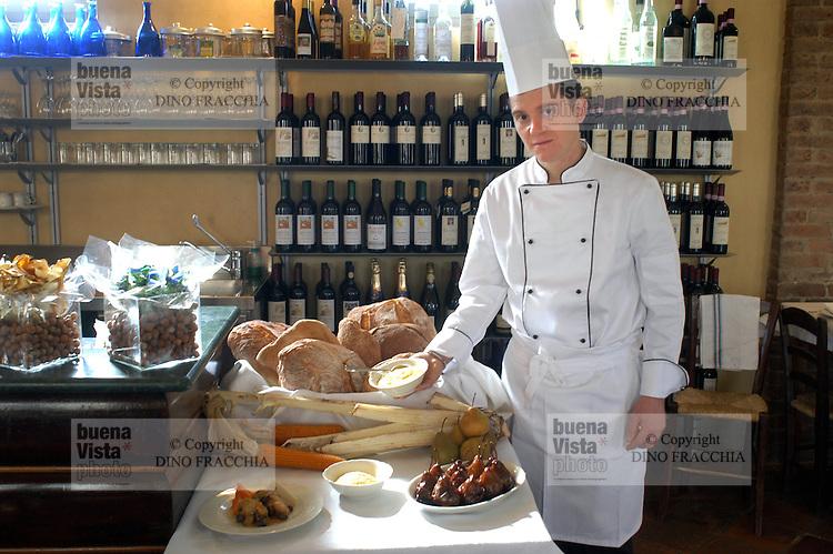 - restaurant of holiday farm Cascina del Cornale....- ristorante dell'agriturismo Cascina del Cornale