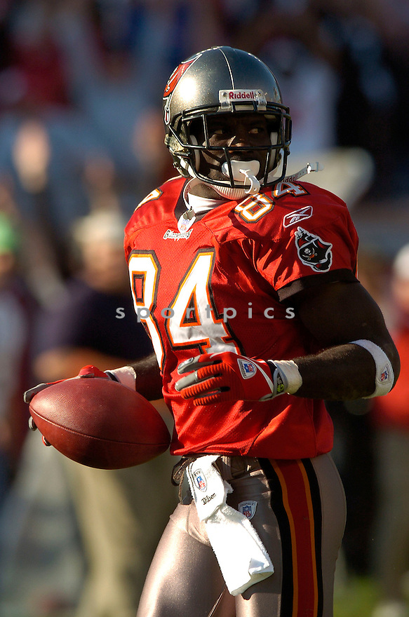 JOEY GALLOWAY of the Tampa Bay Buccaneers, in action against  the Wahsington Redskins on DNovmeber 19, 2006 in Tampa Bay, FL...Titans win 20-17..David Durochik/ SportPics
