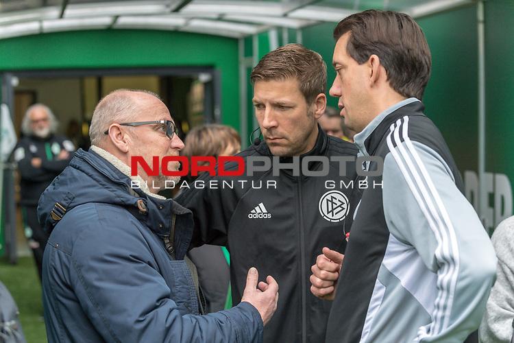 10.02.2019, Weser Stadion, Bremen, GER, 1.FBL, Werder Bremen vs FC Augsburg, <br /> <br /> DFL REGULATIONS PROHIBIT ANY USE OF PHOTOGRAPHS AS IMAGE SEQUENCES AND/OR QUASI-VIDEO.<br /> <br />  im Bild<br /> Thomas Schaaf (Technischer Direktor SV Werder Bremen)<br /> Manuel Gräfe / Graefe ( Schiedsrichter / Referee) <br /> <br /> Guido Kleve. mitte<br /> Foto © nordphoto / Kokenge