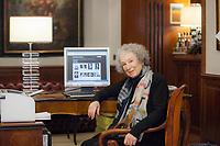 Margareth Atwood