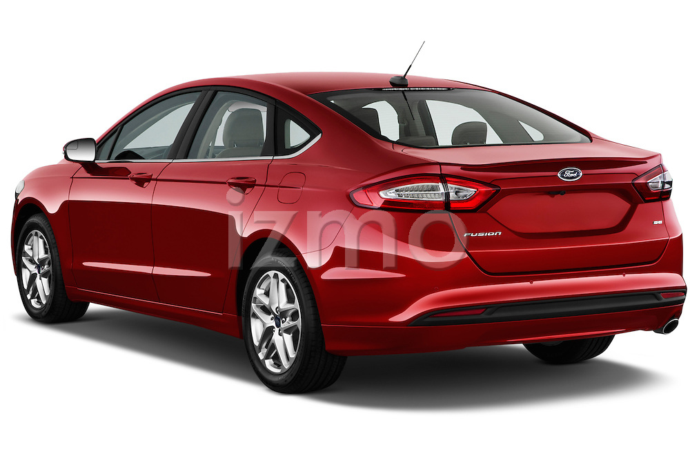 Rear three quarter view of a 2013 Ford Fusion SE