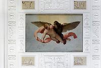 Ganymed wird von Zeus entf&uuml;hrt, Deckengem&auml;lde im W&ouml;rlitzer Schloss, Parkanlage W&ouml;rlitzer Garten, Sachsen-Anhalt, Deutschland, Europa, UNESCO-Weltkulturerbe<br /> Ganymedekidnapped by Zeus, ceiling painting n W&ouml;rlitz Palace, W&ouml;rlitz Gardens, Saxony-Anhalt, Germany, Europe, UNESCO-World Heritage