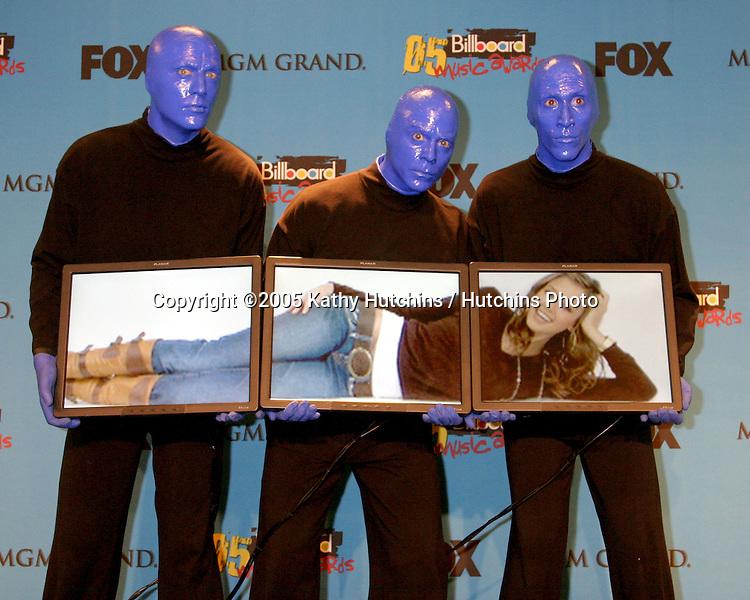 Blue Man Group.Jessica Alba.2005 Billboard Awardsn Press Room.MGM Garden Arena.Las Vegas, NV.December 6, 2005.©2005 Kathy Hutchins / Hutchins Photo....