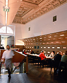 AUSTRIA, Vienna, the lunch crowd at restaurant Osterreicher im MAK, Museum of Applied Arts