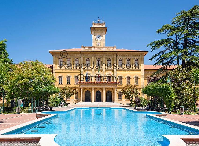 Italy, Emilia-Romagna, Cattolica: popular beach resort located on the Adriatic Sea, south of Rimini - townhall | Italien, Emilia-Romagna, Cattolica: beliebter Badeort an der Adria, suedlich von Rimini - das Rathaus